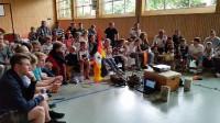 Public Viewing in der Halle der Kirchschule Höntrop